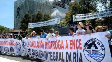Imagen de la manifestación en Pontevedra para que la empresa 'Ence' abandone la ría