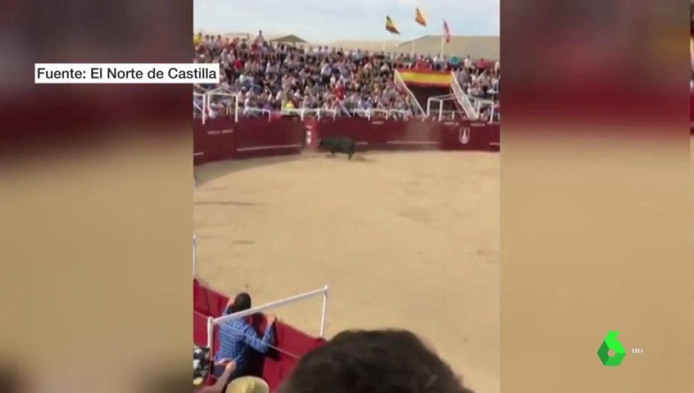 El impactante vídeo de la cogida mortal a un torilero en la plaza de toros de Benavente