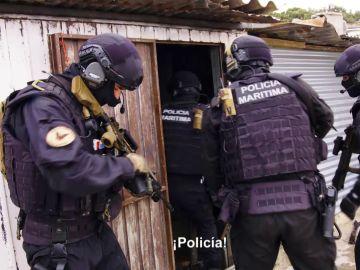 """Alberto Chicote se adentra en un dispositivo policial contra el tráfico de almejas ilegales: """"Alucino"""""""