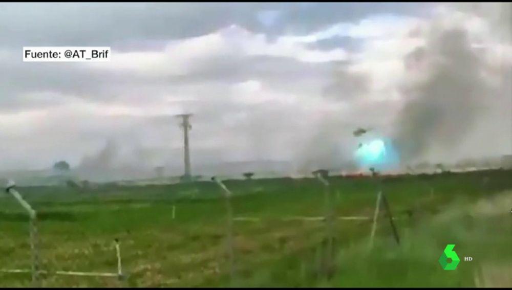 Un helicóptero choca contra el tendido eléctrico mientras intentaba apagar un incendio