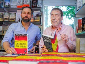 El presidente de Vox, Santiago Abascal, junto a Fernando Sánchez Drago