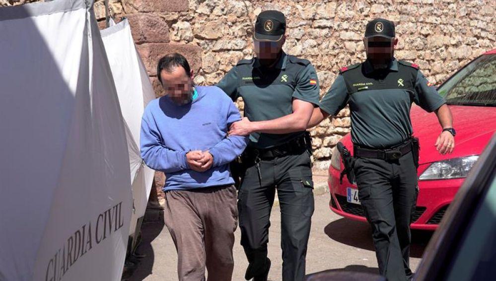 El hijo de la mujer hallada muerta en el domicilio familiar en la localidad de Pozondón