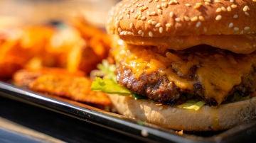 Si te pasas con la hamburguesa, descarga