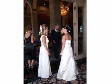 """El surrealista hilo de Twitter en el que una mujer narra el día de su boda: """"Mi suegra apareció vestida de novia"""""""