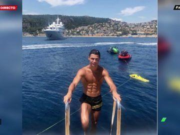 El planchazo de Cristiano Ronaldo en el mar durante sus exclusivas vacaciones