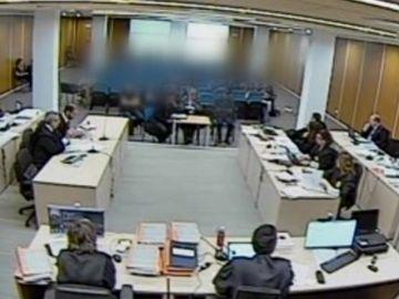 laSexta accede en exclusiva a las imágenes de Bárcenas y Cospedal en el juicio contra el PP por la destrucción de los discos duros