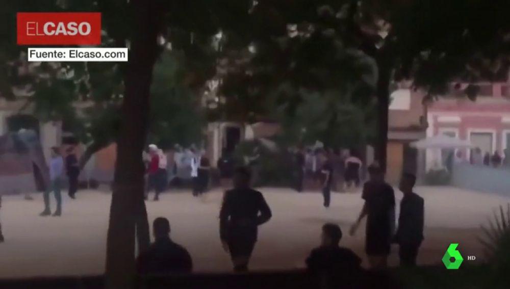 Imágenes cedidas sobre la pelea a la salida de una discoteca en el barrio de Gràcia en Barcelona