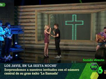 Nerea y Raoul dan la bienvenida a Los Javis en laSexta Noche con la banda sonora de 'La Llamada'