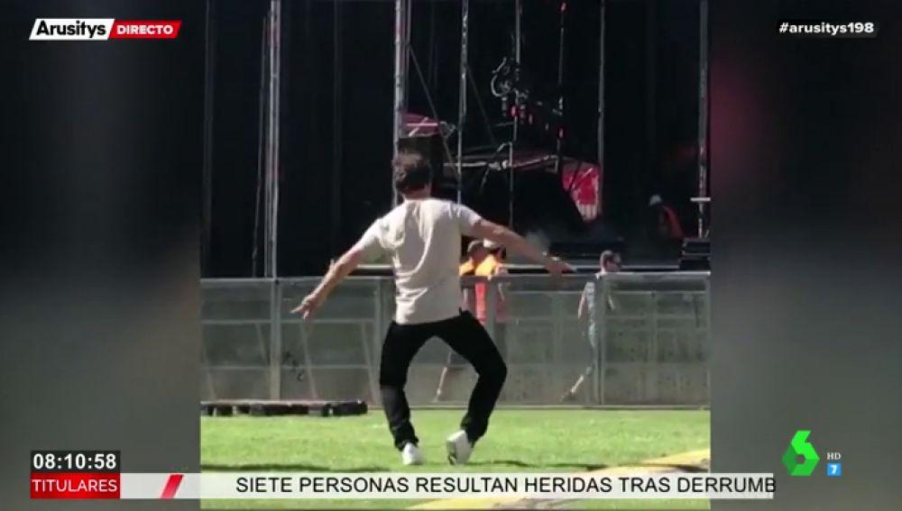 A Aitana le sale un duro competidor: este es el divertido baile de su mayor fan en plena prueba de sonido