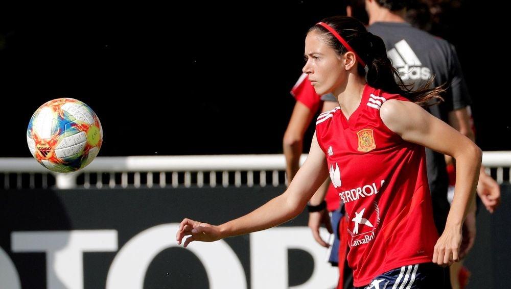 Aitana Bonmatí, en un entrenamiento de España