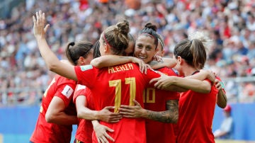 Las jugadoras de la Selección celebran el gol de Jenni Hermoso a Estados Unidos