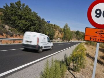 Conducir por una carretera secundaria