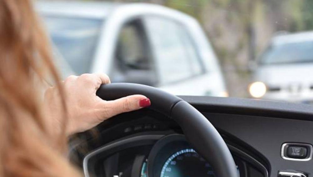 Conducir por carretera secundaria