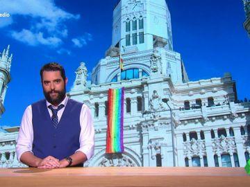 """Dani Mateo recuerda a Vox que """"la bandera de España ya ondea en el Ayuntamiento de Madrid durante todo el año"""""""