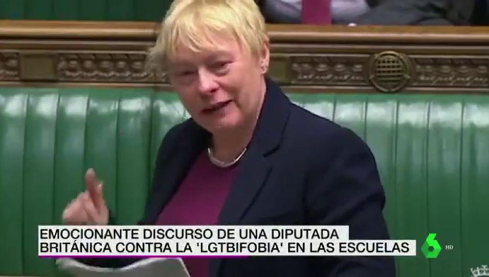 """El emocionante discurso de una diputada británica contra la LGTBIfobia en las escuelas: """"No vamos a volver al armario"""""""