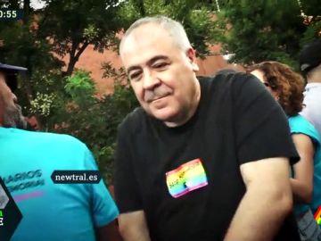 """Ferreras se anima a bailar en la manifestación del Orgullo: """"Esta es la fiesta de la libertad y la tolerancia"""""""