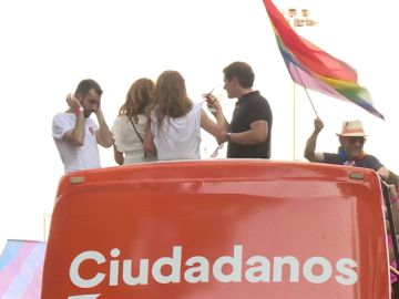 Albert Rivera en el autobús de Ciudadanos en el Orgullo (Archivo)