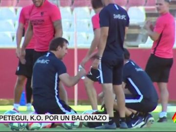 Julen Lopetegui, noqueado en el entrenamiento del Sevilla tras recibir un balonazo