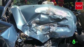 Imagen de un vehículo tras un accidente en Collado Villalba