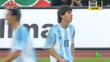Segunda roja en la carrera de Lionel Messi: la primera, en su debut con Argentina en 2005