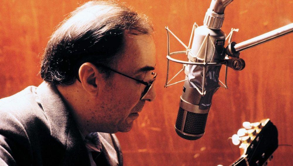 Fotografía del compositor brasileño Joao Gilberto