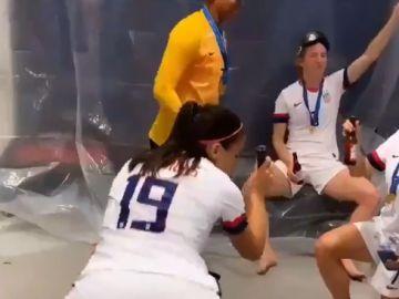 Alex Morgan, celebrando la victoria de Estados Unidos en el Mundial
