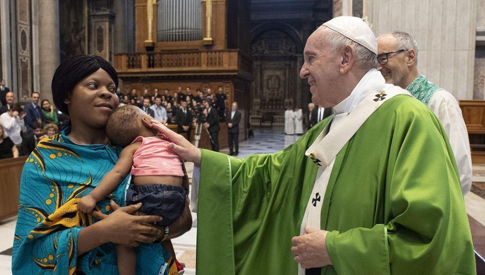 El papa Francisco en una misa celebrada en el Vaticano