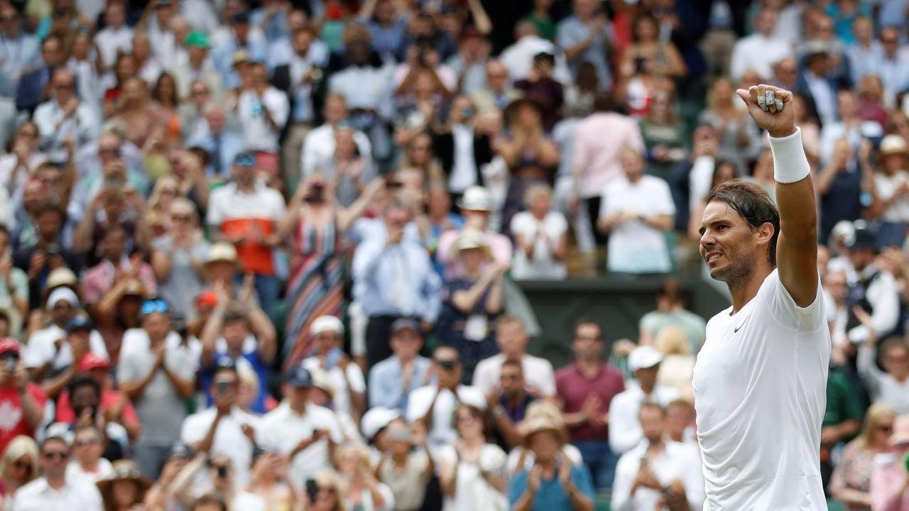 Rafa Nadal celebra su victoria contra Sousa en Wimbledon