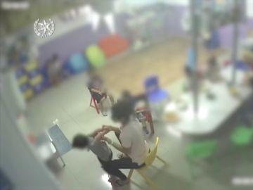 Detenida una maestra por abuso a menores en una guardería: ataba a los niños y les obligaba a tragarse su propio vómito