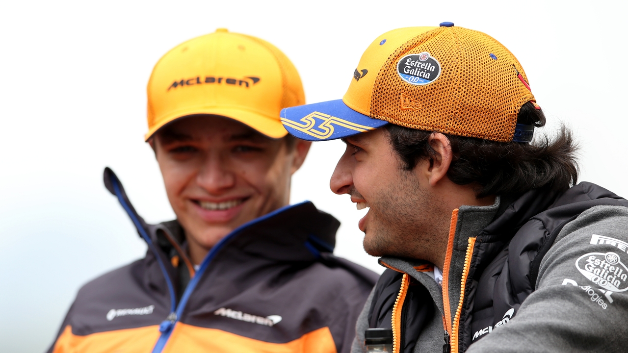 Carlos Sainz y Lando Norris, sonrientes