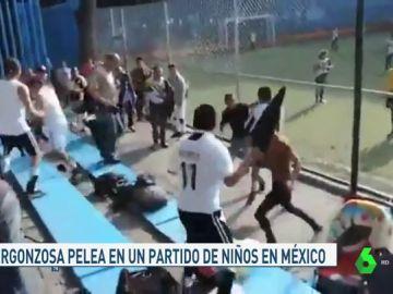 Pelea de padres en México