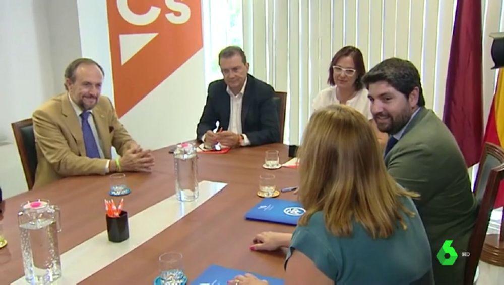 PP, Ciudadanos y Vox se reúnen en Murcia sin llegar a un acuerdo pero con buenas sensaciones