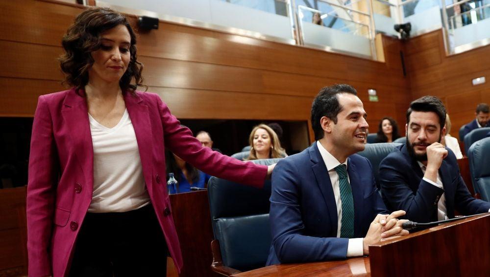 La candidata del PP a la Presidencia de la Comunidad de Madrid, Isabel Díaz Ayuso, y el candidato de Ciudadanos Ignacio Aguado