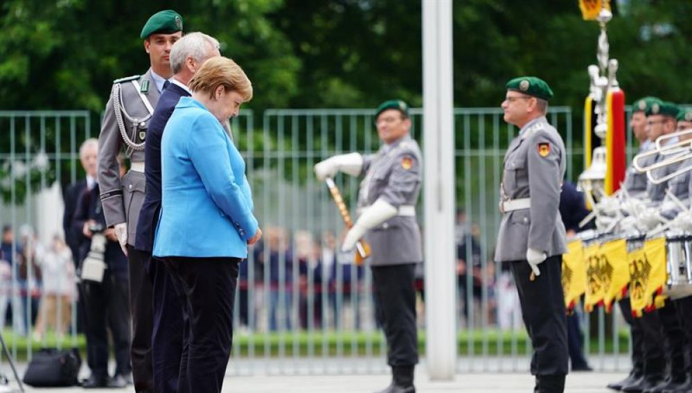 La canciller alemana, Angela Merkel, durante su tercer episodio de temblores