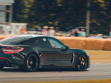 Porsche Taycan en Goodwood