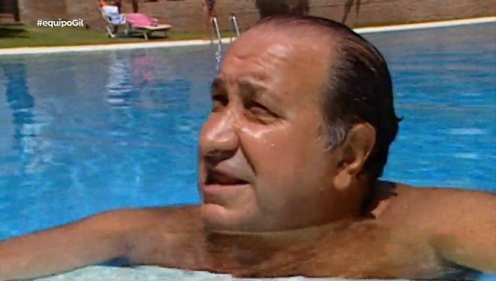 """Jesús Gil y su 'fórmula' de ganar dinero... en una piscina: """"Todo el que se relaciona conmigo se hace rico"""""""