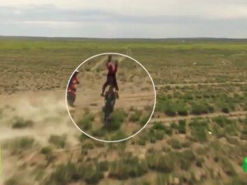 Duro accidente de Joan Barreda: su moto se queda clavada y salta por los aires