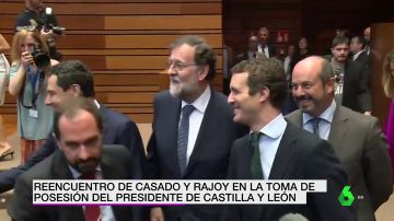 Reencuentro entre Casado y Rajoy en la toma de posesión del presidente de Castilla y León