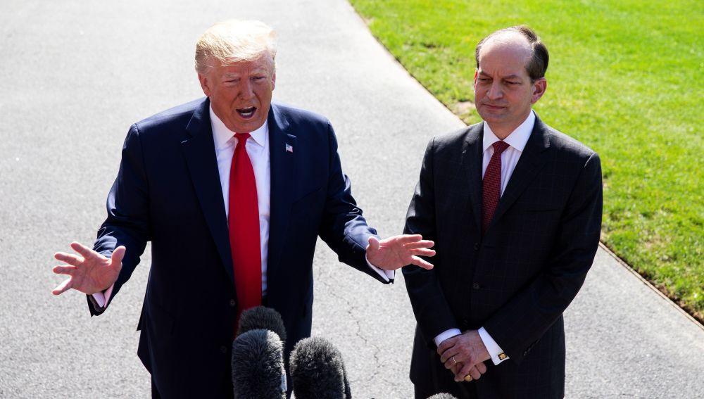 Donald Trump y Alex Acosta