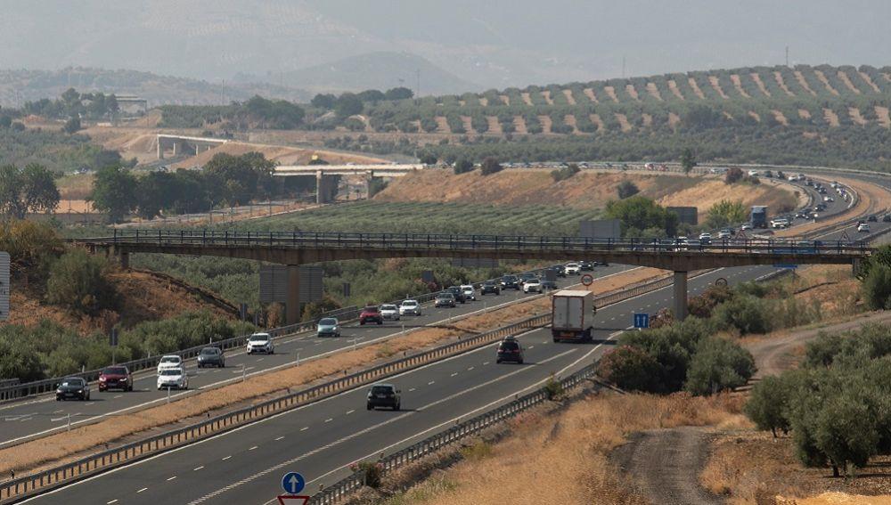 Marcha de coches contra el aislamiento ferroviario de Jaén