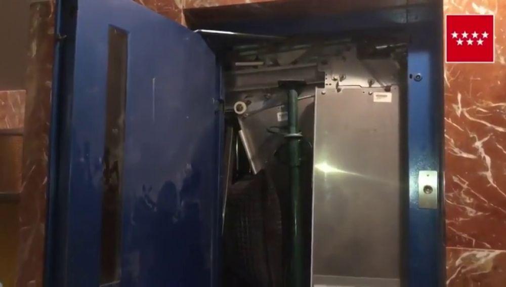 Herido un joven al desprenderse un ascensor y caer cuatro plantas en Alcorcón, Madrid