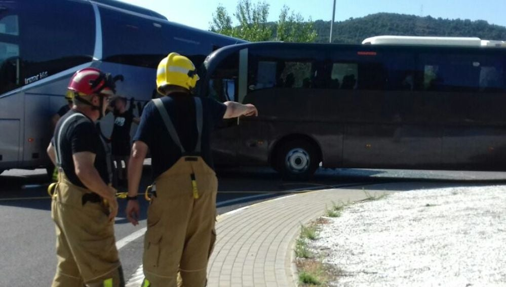 Siniestro entre dos autobuses