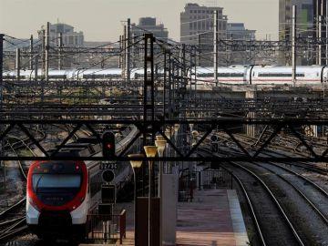 Vista de las vías de tren en la estación madrileña de Atocha