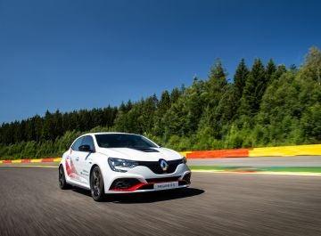 Renault-Megane-RS-Trophy-R