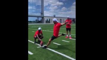 Koke golpea la bola
