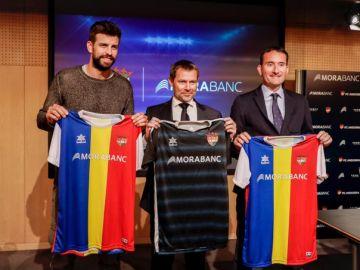 Gerard Piqué, con la camiseta del FC Andorra