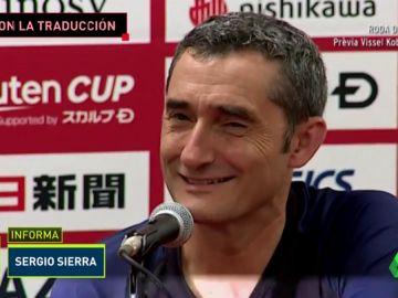 Valverde se lió con la traductora: ojo a la reacción de Iniesta y Busquets