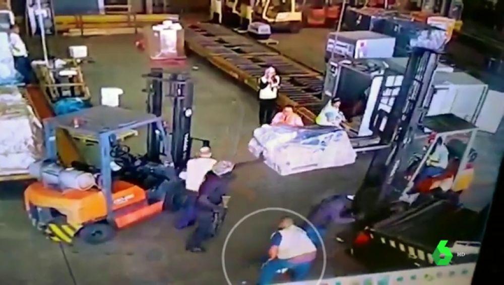 Ladrones disfrazados de policías roban 750 kilos de oro en el mayor aeropuerto de Brasil