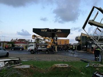 Gasolinera en la que se resguardó la joven antes de morir por un tornado en Italia