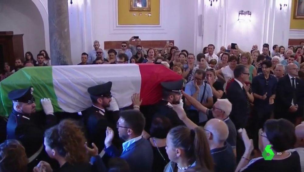 Conmoción por el asesinato de un carabinero en Italia: dos turistas estadounidenses le apuñalaron
